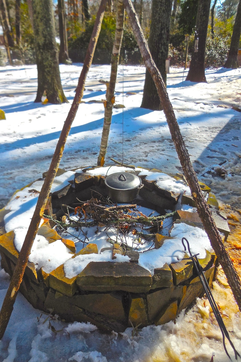 How To Build A Bushcraft Tripod For Your Outdoor Kitchen