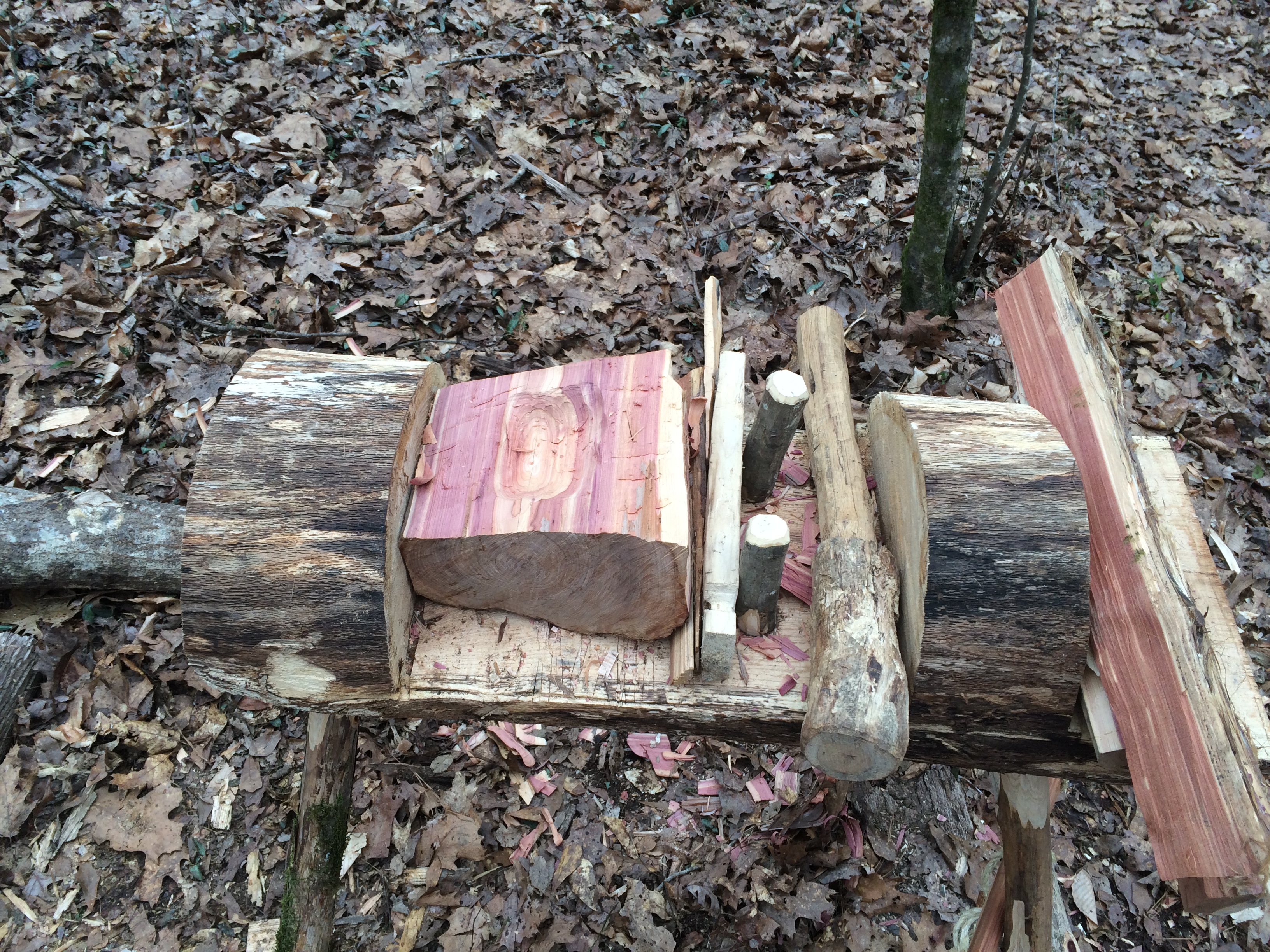 How to build a carving bench from log