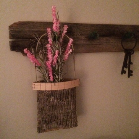 How to Make an Appalachian Berry Bucket from Tree Bark ~ TheSurvivalSherpa.com