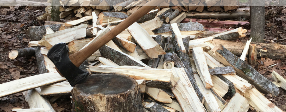 2 Ax Techniques for Fast Firewood Splitting ~ TheSurvivalSherpa.com